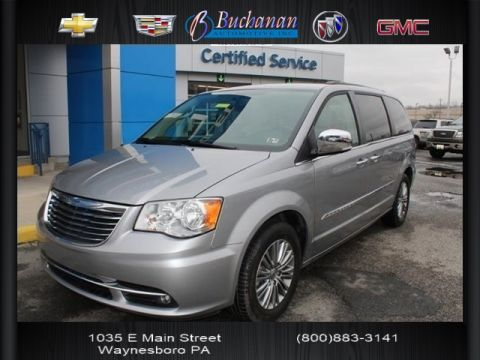 Pre-Owned 2014 Chrysler Town & Country VAN