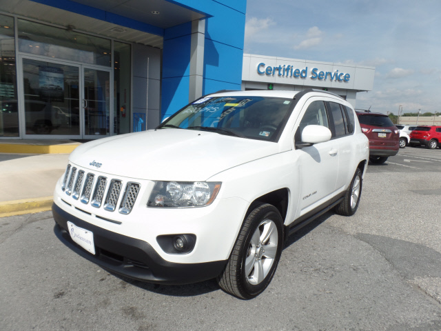 Pre Owned 2017 Jeep Compass Suv 4x4 Latitude 4dr Suv In Waynesboro